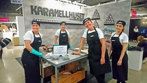 Ester Elofsson, Amanda Eriksson, Moa Artursson och  Elin Lennartsson  tävlade om bästa monter med Karamellhuset UF.