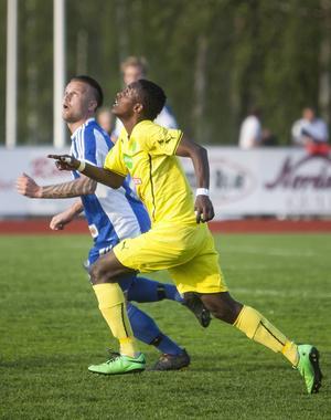 Mohamed Abdi Awnuur gjorde sitt första mål i Ljusdals A-lag i matchen mot Forsa.