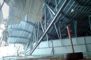 Taket förstördes helt i nattens ras.