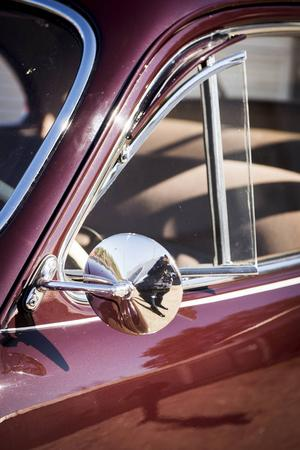 Deras senaste köp är en Cadillac Coupe Deluxe från 1941.
