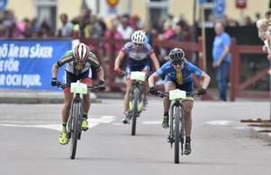 Jennie Stenerhag till höger under upploppet av Cykelvasan 2017, som hon också vann.
