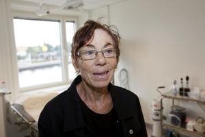 Den nya hälsocentralen ser trevlig ut, tyckte Barbro Gustafsson, pensionerad distriktssköterska, som kom på besök vid invigningen.