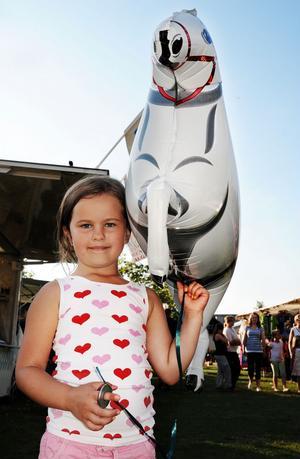 Irma Pålsgård, snart sex år, hade fått en hästballong.