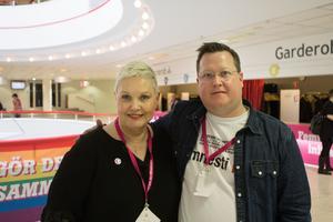 Anne Sommerby och Jonas Kullinger från Feministiskt initiativ i Västerås på kongressen på hemmaplan.