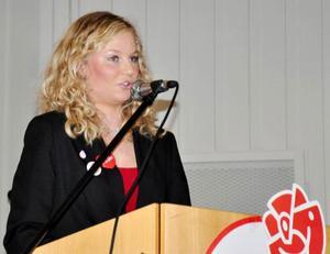 Arbetslösheten bland unga låg i fokus när SSU-föreningens ordförande i Strömsund, Malin Axelsson, talade.