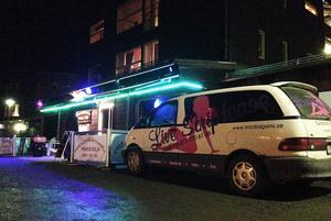 Restaurang och Pizzeria Prince Filip i centrala Åre förvandlas till strippklubb på kvällarna.