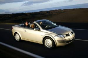 Volkswagen Eos TSI 160268 500 kronor.Tuff utmanare med bra utrymme.Renault Mégane CC 2,0233 600 kronor.Har några år på nacken och är kortare.