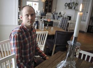 Nils Österströms idé om ett proteinpulver gjord på mjölmask har fått en halv miljon kronor i innovationspengar. I november ska livsmedelsprototyperna bedömas av jury i Måltidens Hus i Grythyttan.