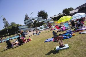 Sol, bad och 30 grader varmt. Många njöt att sommardagen i Ljusne.