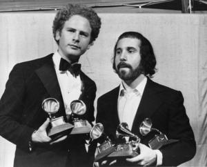 Art Garfunkel och Paul Simon håller i fem av de sex Grammys duon mottog 1971.