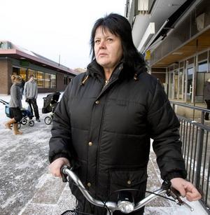 """Värre på andra platser. Siv Sjölander känner många som arbetar på Ovako i Hofors. """"Men det är mycket värre på andra platser i landet"""", säger hon."""