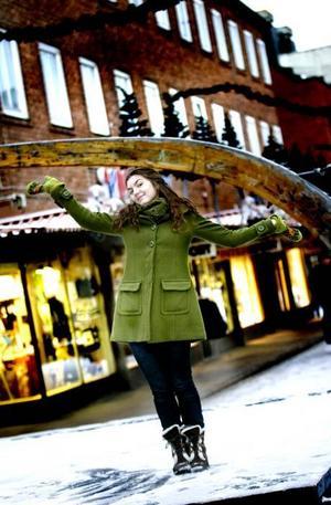 Scenen är Isabelle Kågströms! I somras jobbade hon som gatuartist i Sandviken, ett perfekt sommarjobb för den som älskar att spela teater och dansa.