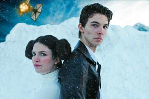 Alida Fröyen spelar Prinsessan Leia och Casper Ingels spelar Vin Sorotai i Star Wars-fanfilmen