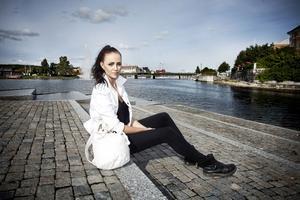 Sanna Jonsson fick testsjunga för Anders Bagge i måndagens avsnitt av