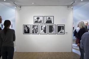 """Malin Rothenborg är journalist och fotograf som presenterar svartvita porträtt. """"I varje människa bor en berättelse. I ständig rörelse, utan slut"""", säger hon."""