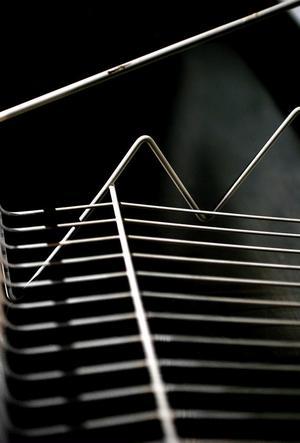 Diskhyllan i string är en av Nisse Strinnings klassiker.