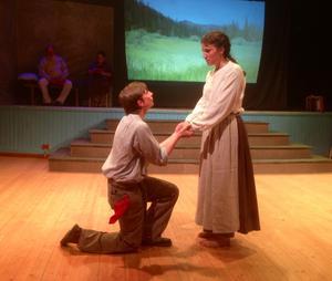 Anton Dahlgen som Jim lovar Saga - Viola Martinsson - att komma tillbaka.