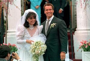 Maria Shriver och Arnold Schwarzenegger vid bröllopet 1986.