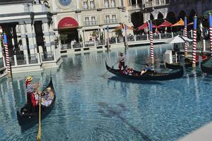 Venedig-kopian The Venetian har gondoljärer både i bassänger utomhus och i kanaler inomhus.