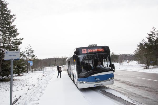 Uttersberg. Här börjar vägproblemen för VL:s linje 550 mellan Köping och Skinnskatteberg.