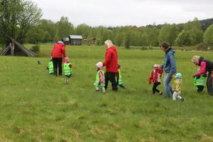 De mindre barnen från förskolan fick jogga eller gå en kortare sträcka så att alla kunde delta.