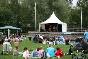 Många kom på året Playwoodfestival i Öjeparken, Edsbyn.