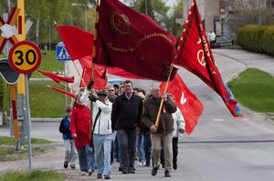 Gemensamt tåg. För första gången genomförde Socialdemokraterna och Vänstern i Surahammar en gemensam demonstration och en gemensam familjedag den 1 maj. Foto: Mikael Johansson