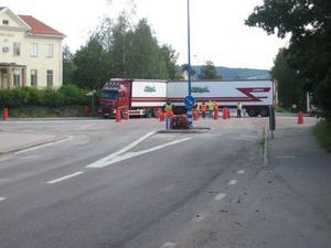 Under onsdagen genomfördes en provkörning av den planerade rondellen på Norra torget i Edsbyn.