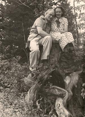 Albert Viksten tillsammans med Elsa-Britt Berghagen, Anders mamma.