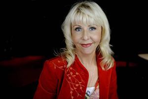 Komikern och skådespelaren Pia Johansson är den första deltagaren som är klar för vårens säsong av