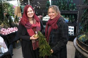 Fanny Pettersson och hennes mamma Carina Blomsterlund åker till Åsby året om, för både växter och inredningsprylar.