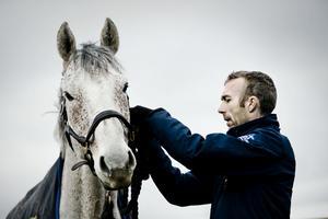 Niklas Jonsson och hästen Caral, arkivbild.