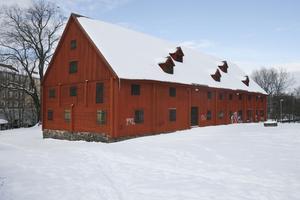Sokerbruksladan i Stenebergsparken är en av Sveriges äldsta industribyggnader.