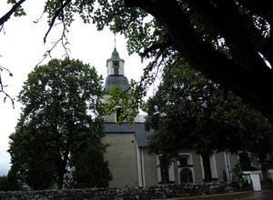 Åhls kyrka i Insjön. 43 medlemmar i Åhls församling gick ur Svenska kyrkan under 2016.