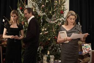 """I """"En julberättelse"""" spelar Catherine Deneuve den åldrande Junon som drabbats av cancer. Till jul bjuder hon in alla sina barn med förhoppningen att någon av dem ska kunna donera benmärg till henne. Foto: Folkets Bio"""