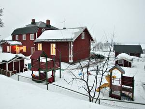 Förskolläraren hade tillsynsansvaret för de sju barn som lekte utomhus på Grodans förskola i Järbo.