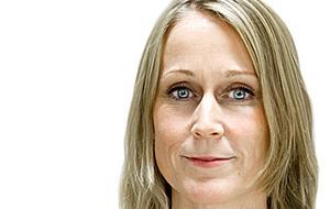 Karin Håkanson - skribent som grubblar över de små stegens tyranni.