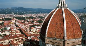 I boken Världsarv får vi se några av jordens mäktigaste byggnader. (Bildern är beskuren)
