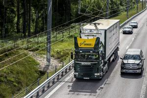 Försök med kontaktledning för lastbilar på väg utanför Sandviken.