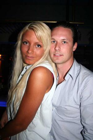 Blue Moon Bar. Linnea F och Jim N
