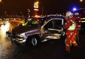 Bilolycka i korsningen vid tågstationen och Landsvägsallén vid 17-tiden i lördags.