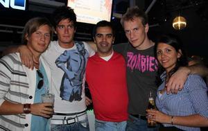 Pluto. David, Fridrico, Rui, NIls och Lara