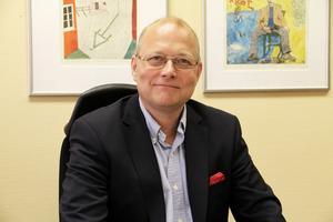 Håkan Englund (S) var med och ändrade kommunens grafiska profil 2008, så även Alfta fick vara med.