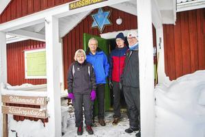 Birgitta Wiklander, Kenneth Wiklander, Niclas Säfvenberg och Kenth Edström brinner för att hålla Klissbergsstugan levande.