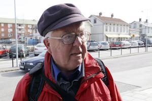 Pensionerade prästen Anders Lindgren från Gävle är på väg till Bjuråke-Norrbo församling för att vikariera i några månader.