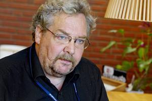 Alf Lundin berättar att Centerpartiets ovilja att ge Miljöpartiet inflytande gjorde att det i stället blev ett samarbete med Socialdemokraterna.