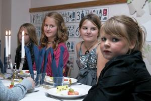 Maja Axell, Vilma Kvick och Ellen Eriksson närmast i bild.
