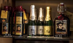 I dag finns Martin Luthers nuna på massor av souvenirer, som öl, viner och likörer.