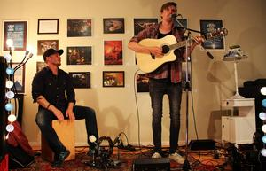 Niklas Bertilsson och Olle Nyberg i Drei Trocaderos bjöd på musik efter maten.