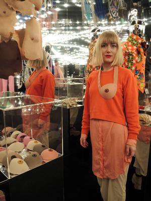 – Jag är gärna med och breddar bilden av vad mode kan vara, säger Maja Gunn, en av de designers som bjudits in att skapa verk specifikt för utställningen på Liljevalchs.